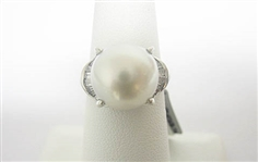 PLATINUM SOUTH SEA PEARL AND .33  C.T.W. DIAMOND RING