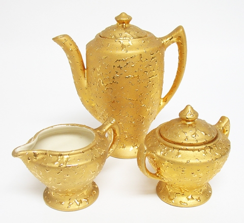 WEEPING BRIGHT GOLD TEA SET