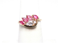 MODERN .40 CT RUBY & DIAMOND GOLD RING
