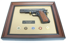 RARE JOHN WAYNE FRANKLIN MINT COMMEMORATIVE ARMED FORCES COLT .45 DISPLAY