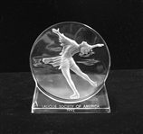 LALIQUE SOCIETY OF AMERICA 1992 SKATING RELIEF SCULPTURE