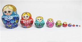 10 PIECE HAND PAINTED WOODEN RUSSIAN NESTING DOLLS
