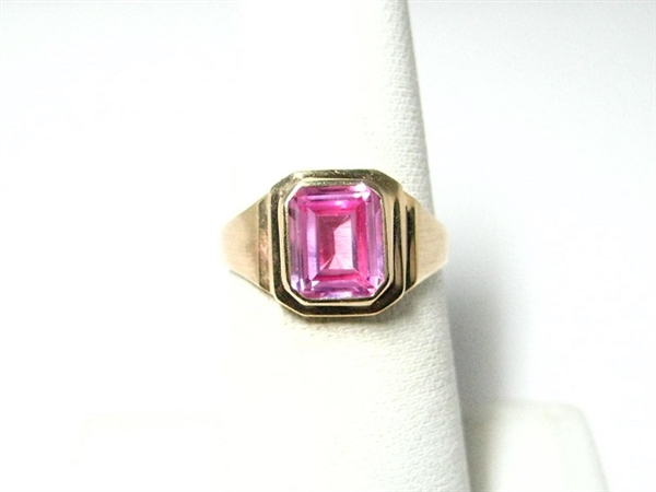 PINK TOPAZ VINTAGE STYLE GOLD RING