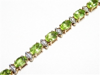 8 CT PERIDOT & DIAMOND GOLD TENNIS BRACELET