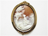 "ANTIQUE ""LADY IN THE GARDEN"" CAMEO ROSE GOLD BROOCH"