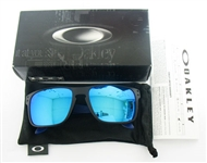 OAKLEY HOLBROOK SUNGLASSES, NEW
