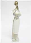 "RETIRED LLADRO FIGURINE ""GIRL WITH LAMB"""